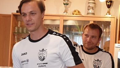 Photo of Stolze U15 Trainer beim Saisonabschluss